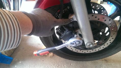 changement-pneumatique-moto-IMAG0704