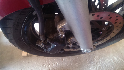 changement-pneumatique-moto-IMAG0705
