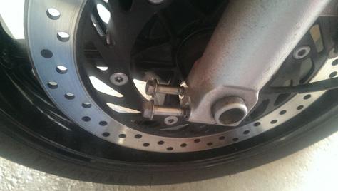 changement-pneumatique-moto-IMAG0712