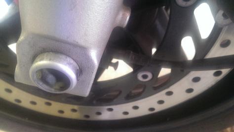 changement-pneumatique-moto-IMAG0719