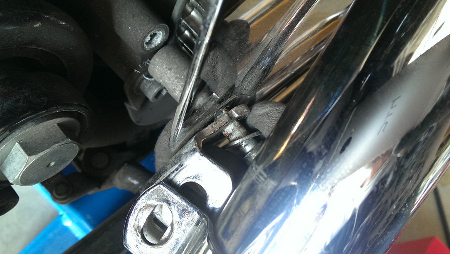 remplacement-courroie-transmission-harley-2-IMAG0725